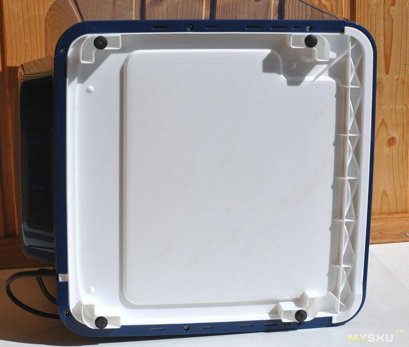 Сушильная камера для продуктов STARWIND SFD6430