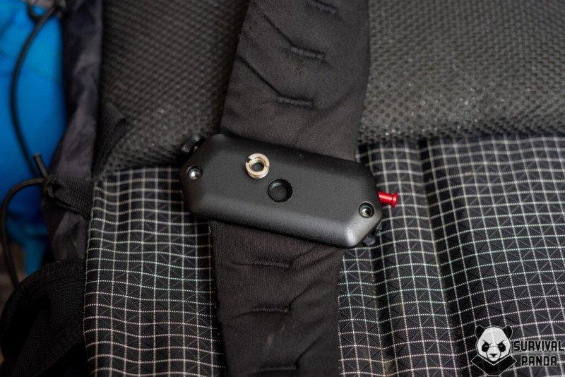 Крепление фотоаппарата на лямку рюкзака
