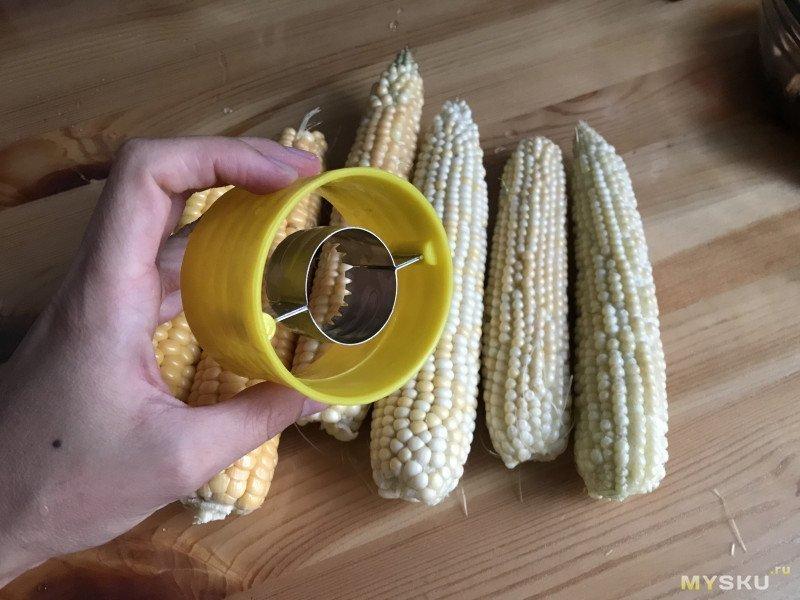Нож для отделения зерен кукурузы. Батл двух девайсов: всегда ли дороже значит «лучше»?